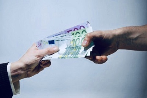 Istat, 'frena l'economia'