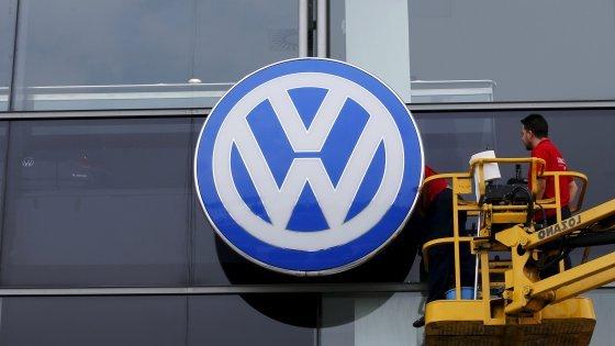 Volkswagen: pronta ad eliminare 'posti dilavoro'