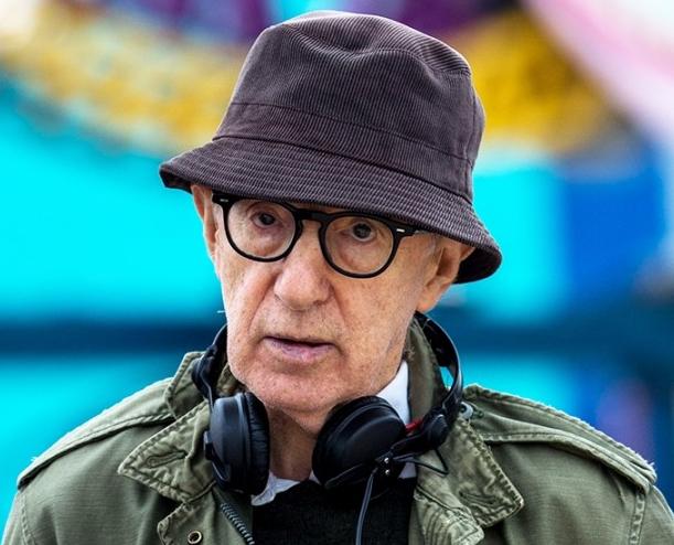 'Woody Allen' snobbato dagli editori, porte in faccia per  la pubblicazione dellememorie